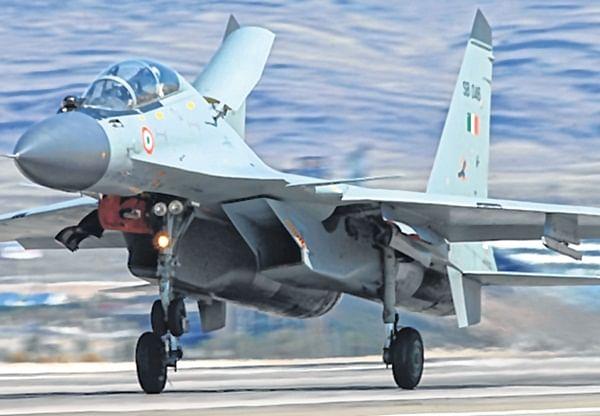 IAF scrambles SU-30s to ward off 4 Pakistan jets