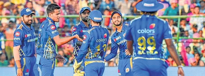 Mumbai Indians set to seal knock-out stage