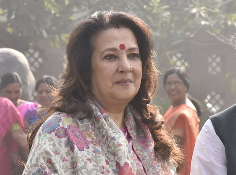 Will be delighted if Mamata Banerjee becomes PM: Moon Moon Sen