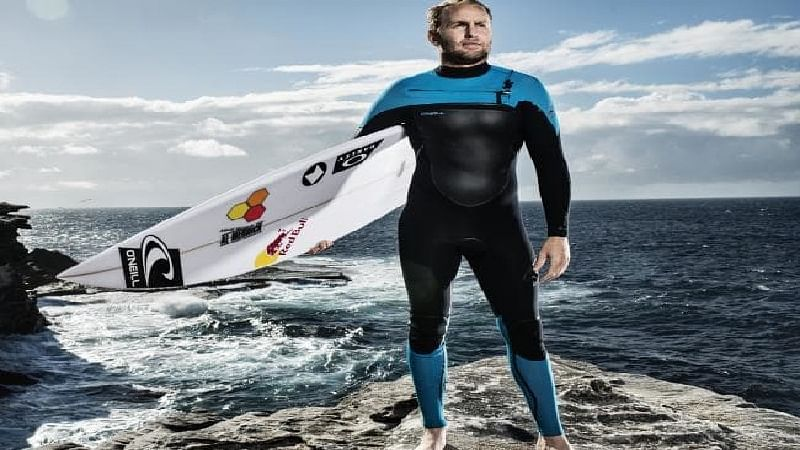 Mark Mathews inspires RR players with his surfing stories