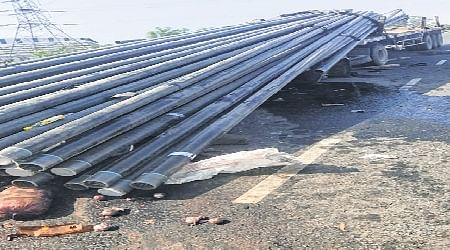 Indore: Trolley rams stationary truck, 3 killed