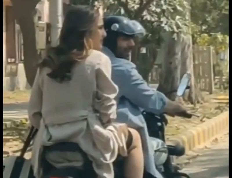 Police complaint filed against Sara Ali Khan for riding pillion without helmet on sets of Love Aaj Kal 2