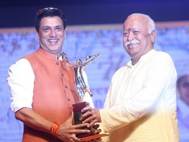 Madhur Bhandarkar, Salim Khan, Helen get Deenanath Mangeshkar Award