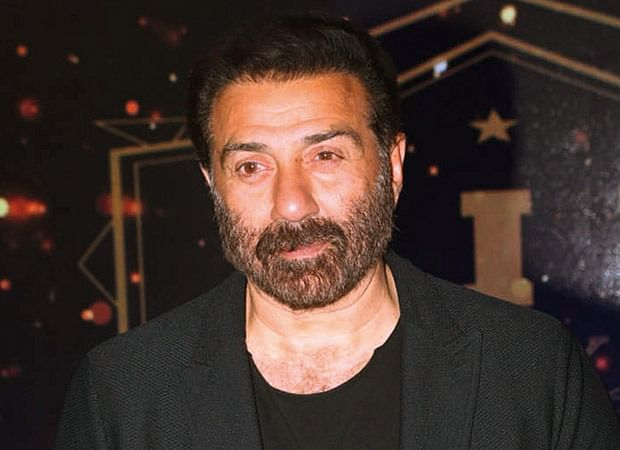 Sunny Deol's convoy meets with an accident near Gurdaspur National Highway
