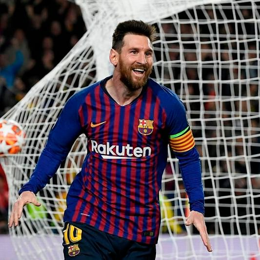 Lionel Messi says he is staying with Barcelona this season
