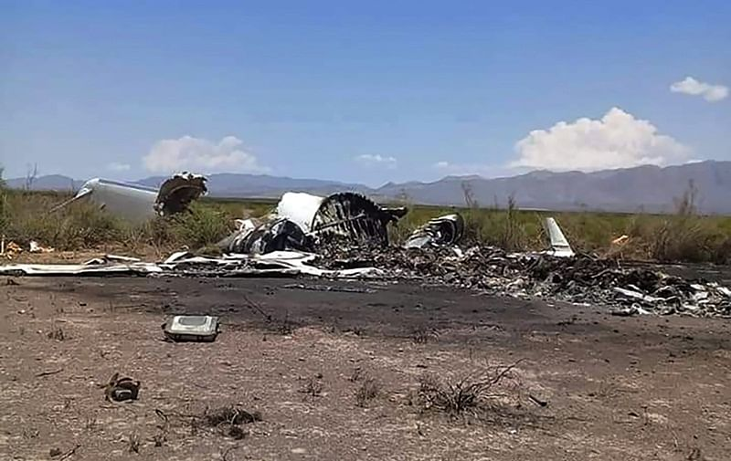 14 feared dead after private jet crashed in Mexico