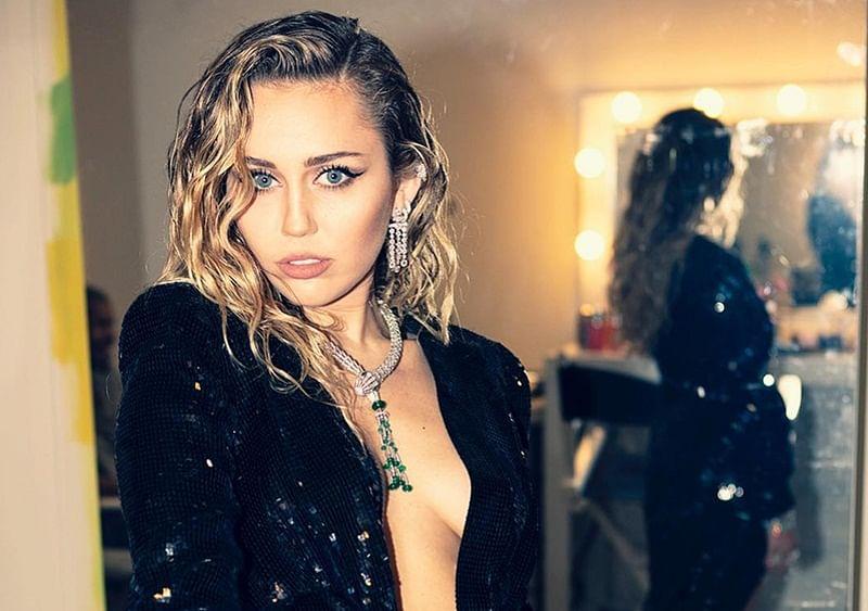 Miley Cyrus clarifies she is not picking sides between Cardi B and Nicki Minaj