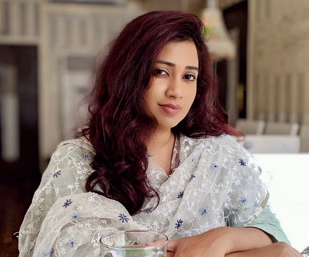 Shreya Ghoshal slams airline for not letting her carry musical instrument on flight