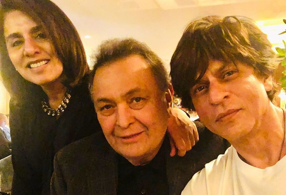 Shah Rukh Khan visits Rishi Kapoor in New York, Neetu admires his 'genuine' love