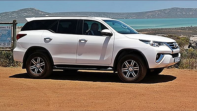 Thieves steal Toyota Fortuners in 17 minutes in Pune