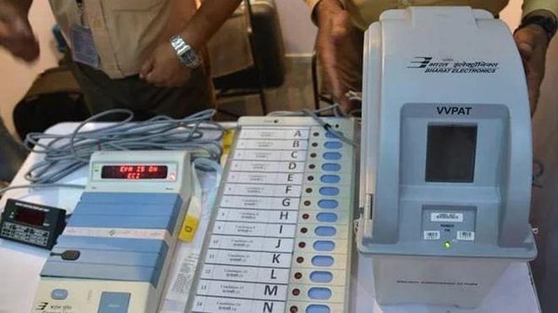 Maha Election 2019: EVM glitches reported, Congress complains to EC