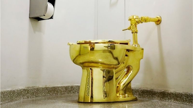 Solid-gold toilet to be installed in UK palace