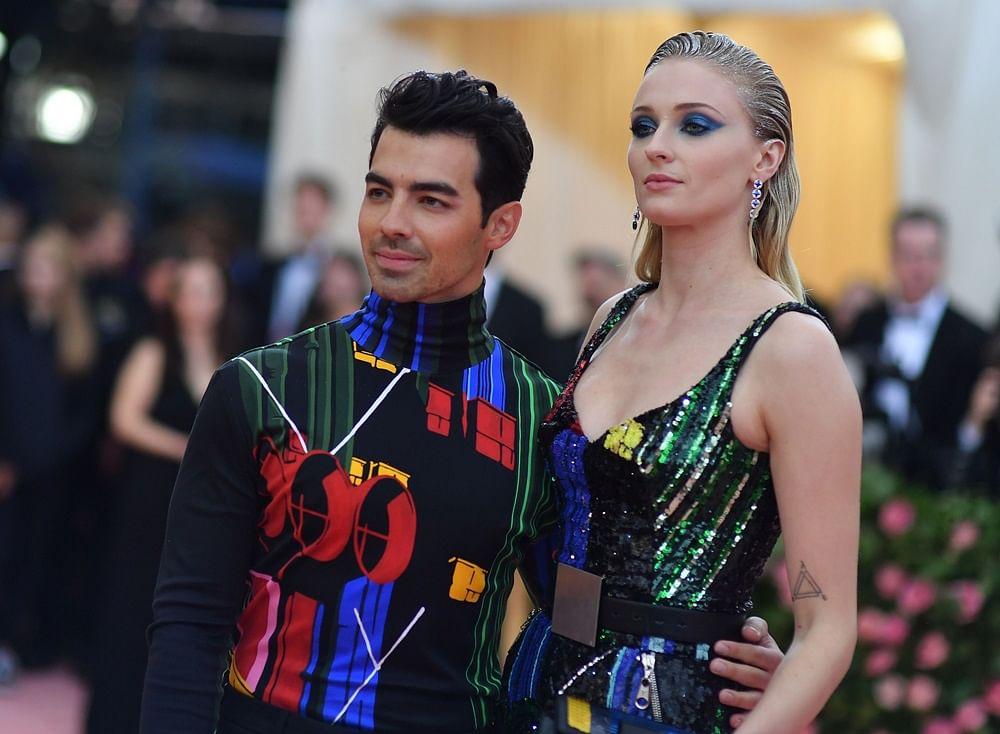 Joe Jonas, Sophie Turner walk the Met Gala 2019 red carpet as newlyweds