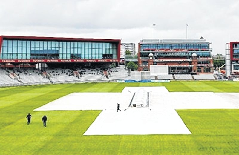 Manchester decks up for India-Pakistan showdown