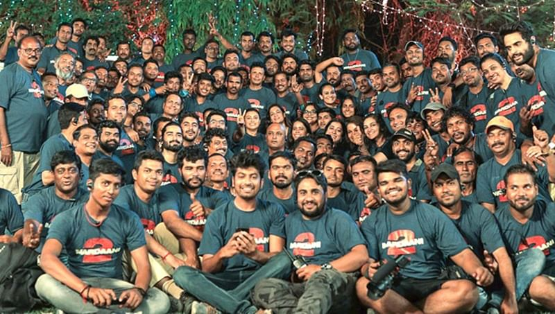 Mardaani 2: Rani Mukerji bonds with the crew after schedule wrap in Rajasthan