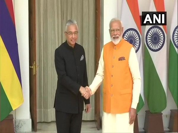 PM Modi holds bilateral talks with Mauritian counterpart
