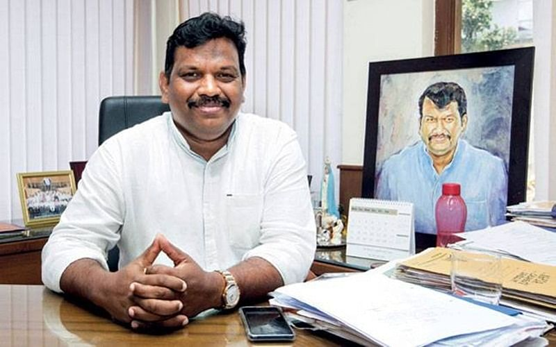 Goa Deputy Speaker Michael Lobo wants Chief Minister post