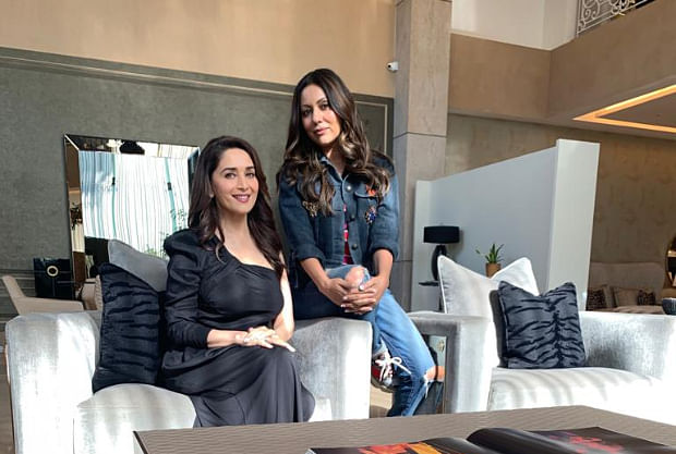 Die hardfanGauri Khan welcomes her favourite actress Madhuri Dixit at her store