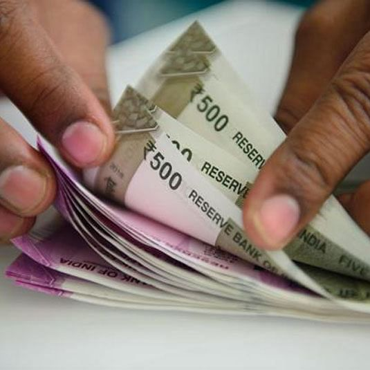 Rupee slips 4 paise to 69.38 vs USD in early trade