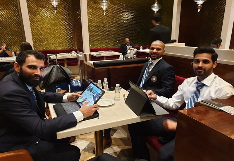World Cup 2019: MS Dhoni, Shami, Chahal play PUBG while waiting for their flight to England