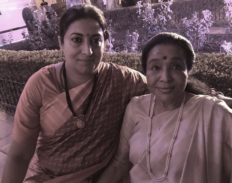 Smriti Irani turns Good Samaritan for Asha Bhosle amid post oath-taking melee