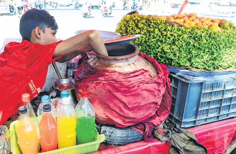 Bhopal: Be warned on drinks sold by street vendors