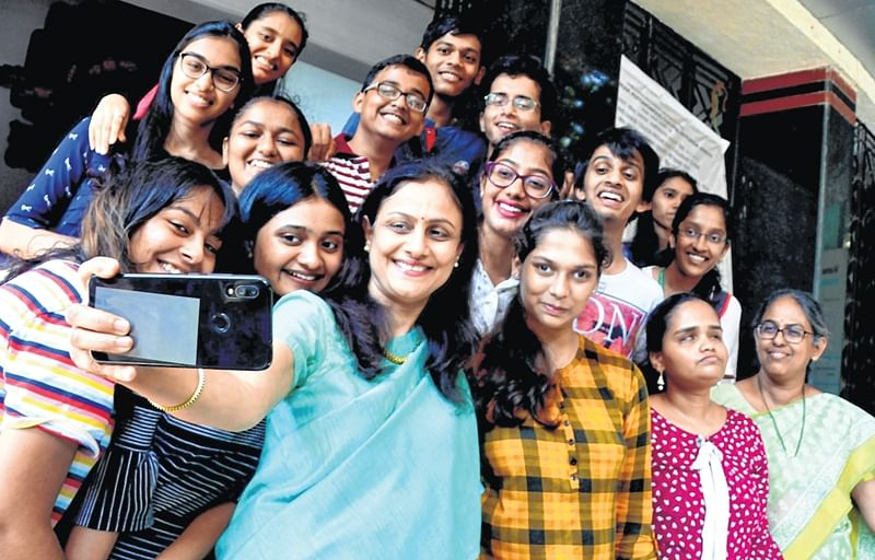 Girls outshine boys in HSC exams, over 34,000 achieve distinction in city