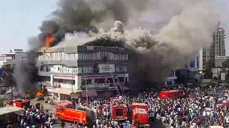 Surat fire: Fire brigade arrived at the spot 45 minutes late, claim witnesses