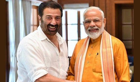 Lok Sabha Polls 2019: Dharmendra congratulates son Sunny Deol and wife Hema Malini