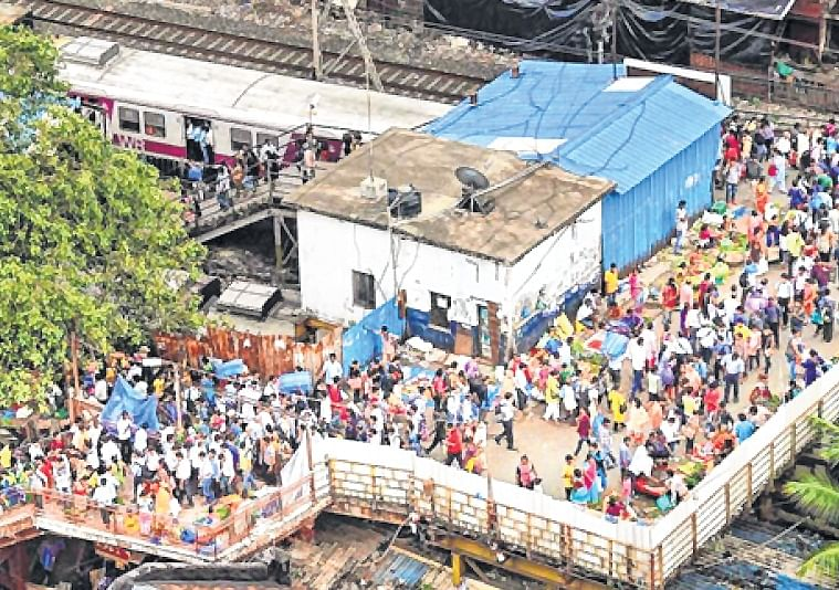 Mumbai: Western Railway all set to shut Dadar's foot-over bridge from May 14