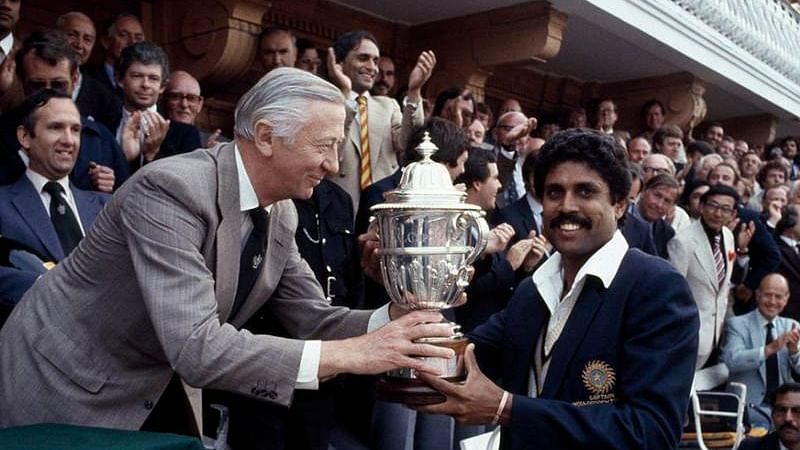 Kapil Dev with 1983 World Cup trophy. Pic: @ICC/ Twitter