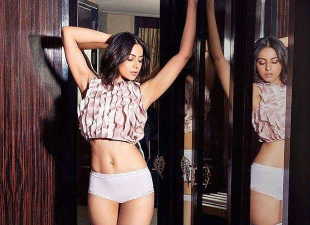 Rakul Preet Singh slammed for captioning pic with unzipped pants as 'Girl power'