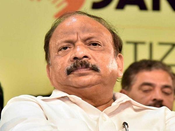 HD Kumaraswamy government wobbles as TsuNamo may hit Delhi