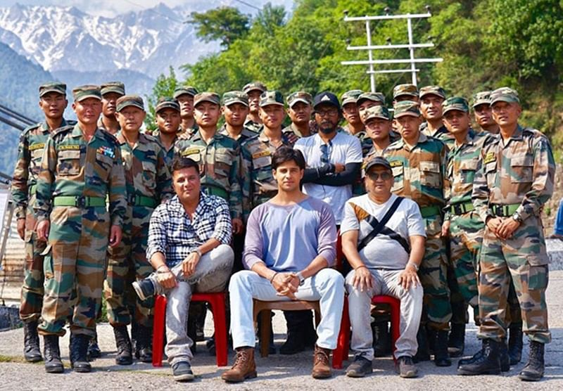 Sidharth Malhotra with Shershaah team share a frame-worthy photo with the Gurkha Rifle Regiment, all the way from Palampur!