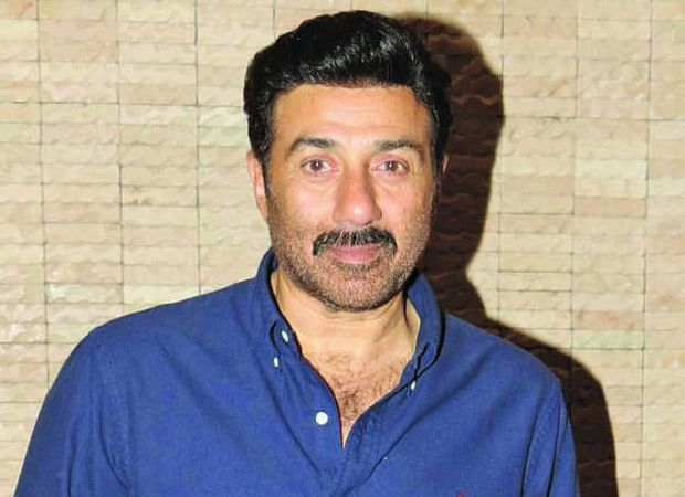 Sunny Deol's convoy meets with accident