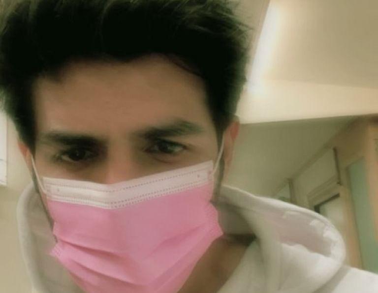 National crush' Kartik Aaryan wants pink to be 'national mask colour'
