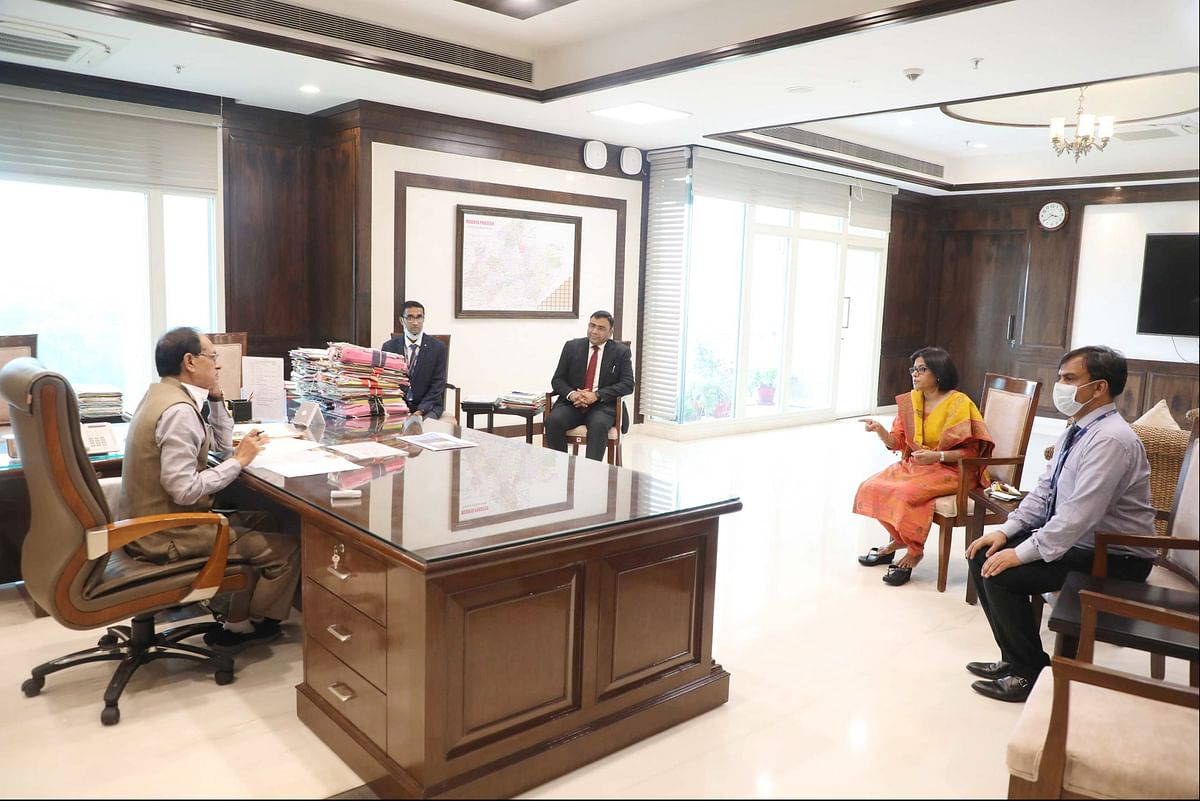 Photo of Bhopal: HDFC senior officials call on CM, inform about CSR activities