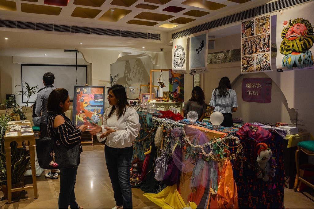 Art Market: Stalls