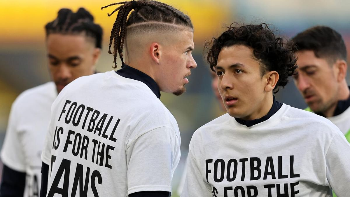 Players of Leeds United wearing t-shirts with strong anti-ESL messaging, ahead of their game with Liverpool.