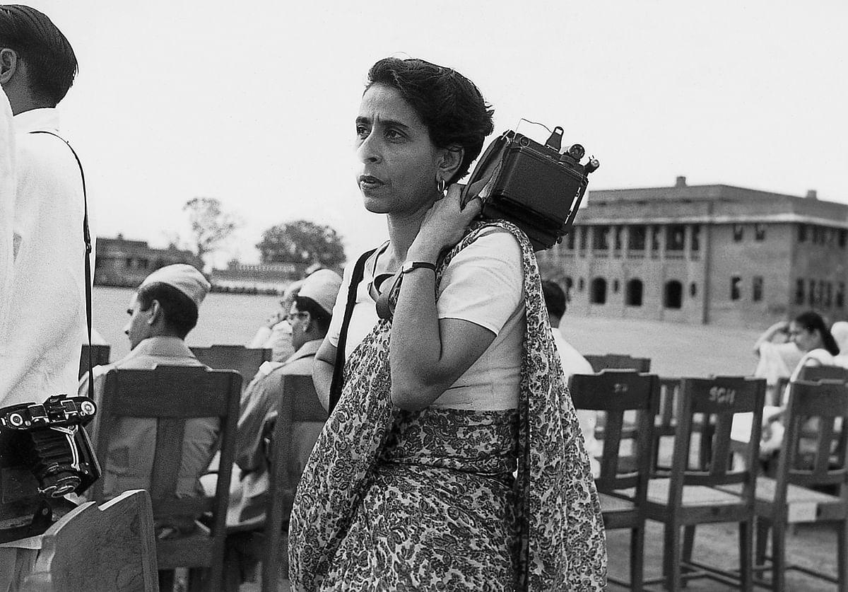"""<div class=""""paragraphs""""><p><em><strong>Homai Vyarawalla with her camera&nbsp;</strong></em></p><p><em> </em></p></div>"""