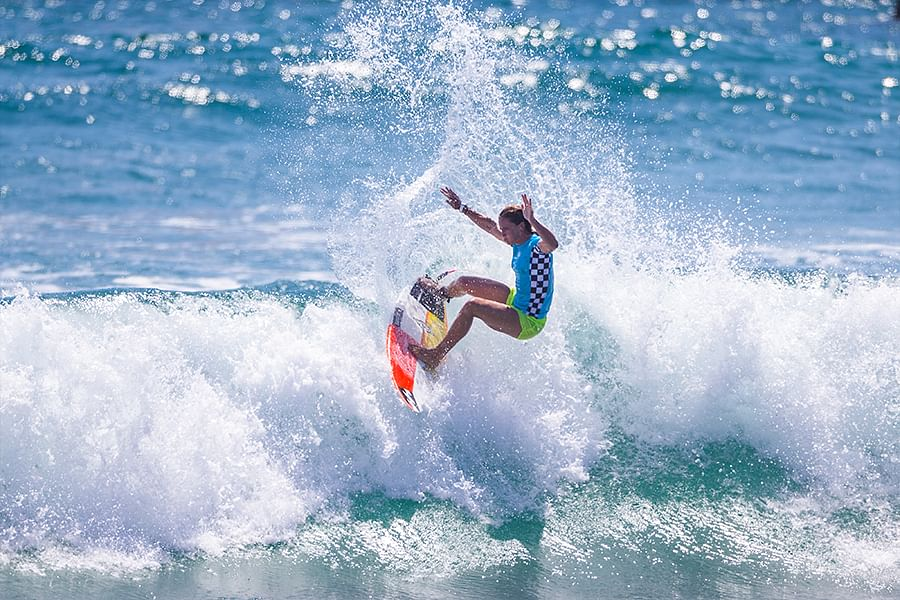 """<div class=""""paragraphs""""><p> Courtney Conlogue wins the 2018  US Open of Surfing</p></div>"""