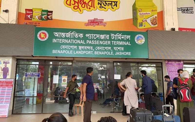Kashmiri students suffer as Bangladesh seals borders with India
