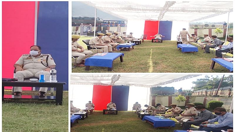 SSP Awantipora chairs security review meeting