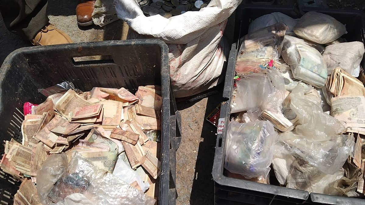 Three boxes of currency notes, bagful of coins recovered from homeless woman's shelter in Jammu