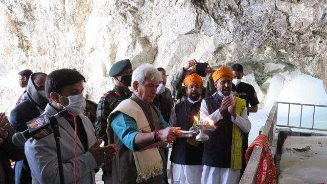 LG pays obeisance at Amarnath Cave Shrine