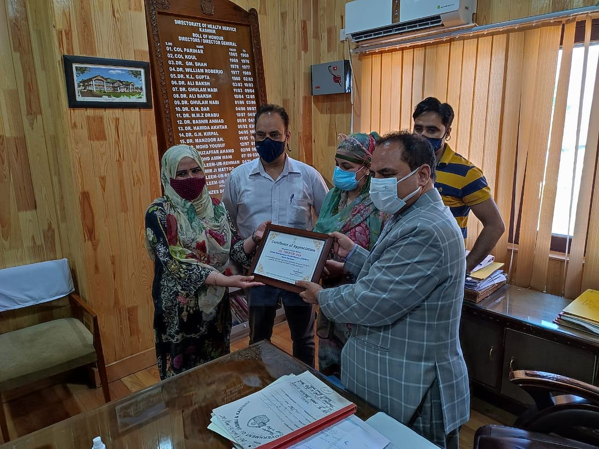 DHSK felicitates two female COVID-19 warriors