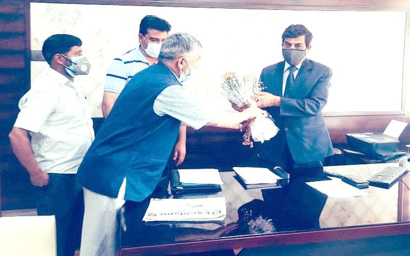 EJAC calls on Chief Secretary A K Mehta