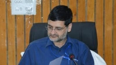 DC Budgam conducts extensive tour of Far Flung areas of District