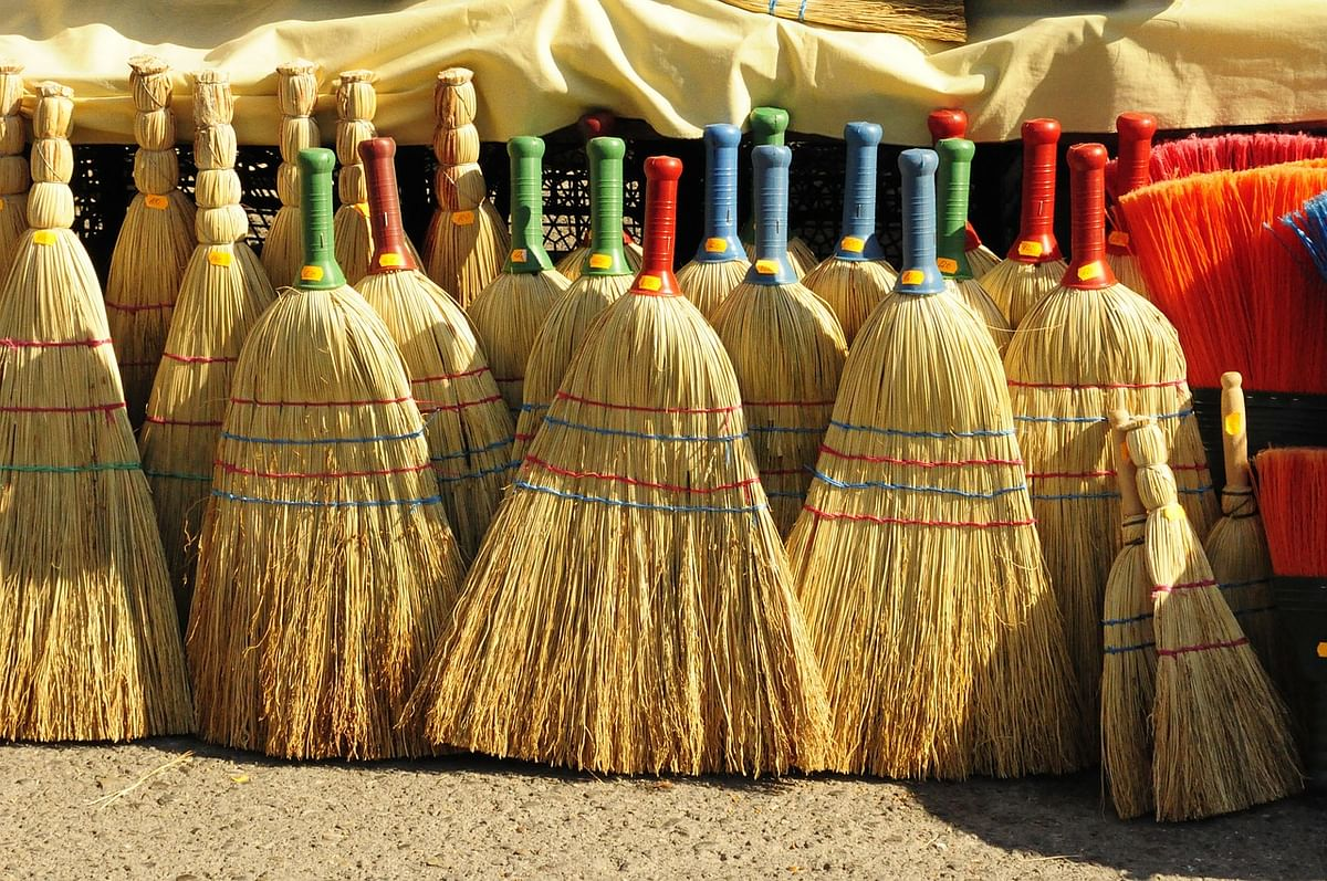 Amid lockdown, Rajasthan based broom makers struggle to survive