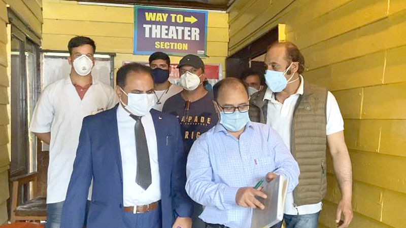 DHSK visits Pahalgam, reviews Yatra arrangements
